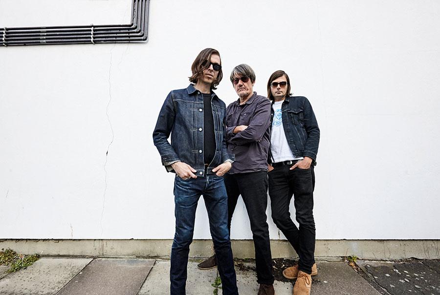 UKの3人組ロックバンド「リトル・バーリー」 ヘリオセントリックスのマルコム・カトーをドラマーに迎え、 3年ぶりの新作『Quatermass Seven』をサプライズリリース!